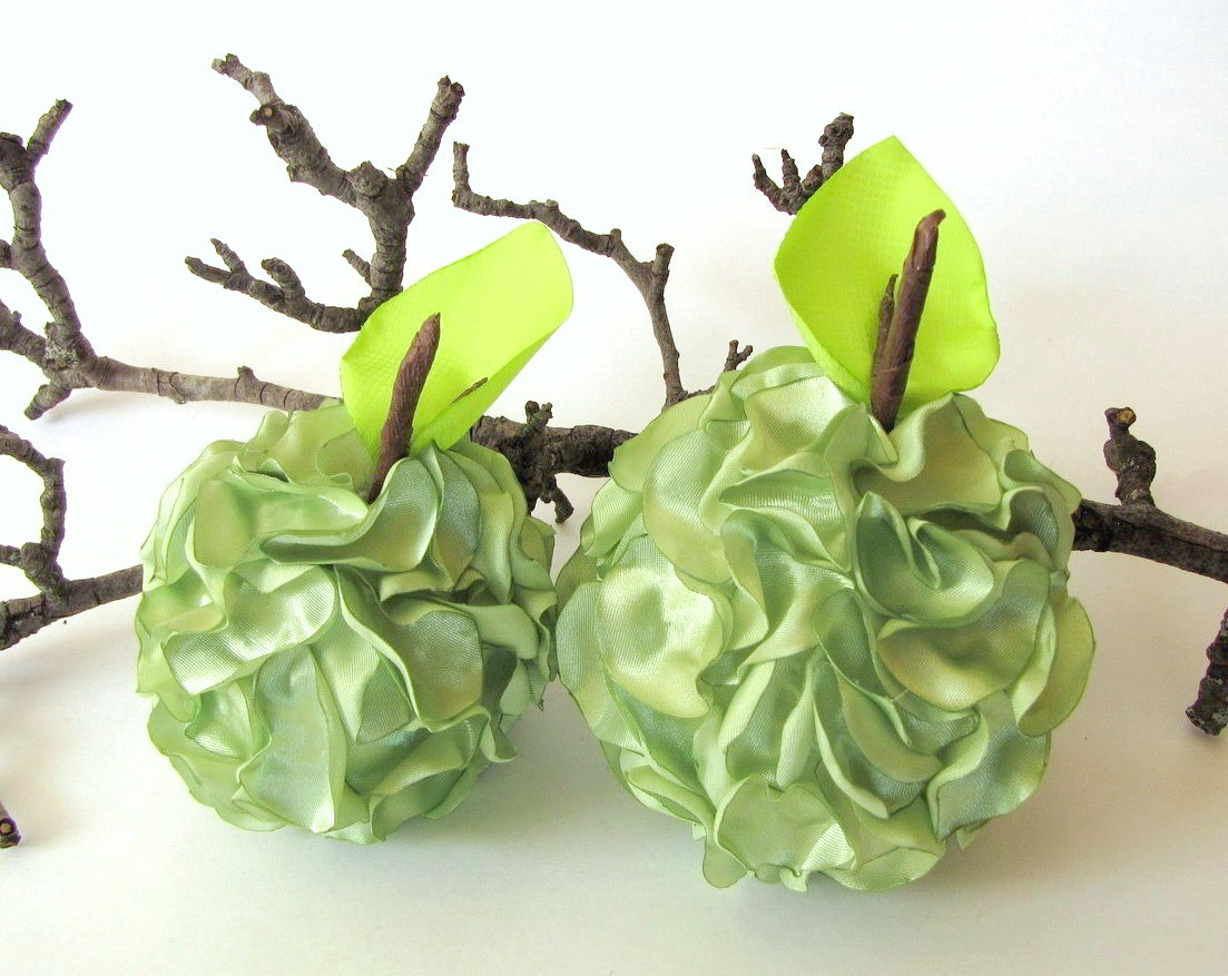 Handmade home decoration accessories green apples on luulla for Handmade decoration pieces